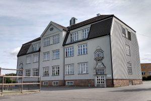 Read more about the article Skole på nytt rammet av korona – 40 tilfeller ble meldt ved utbruddet i juni