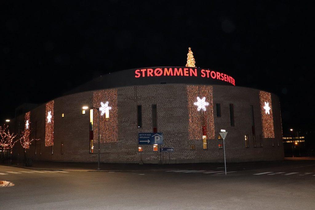 Strømmen Storsenter. Norges største kjøpesenter. Julestemning og julelys. Foto: Vårt Strømmen, vartstrommen.no.