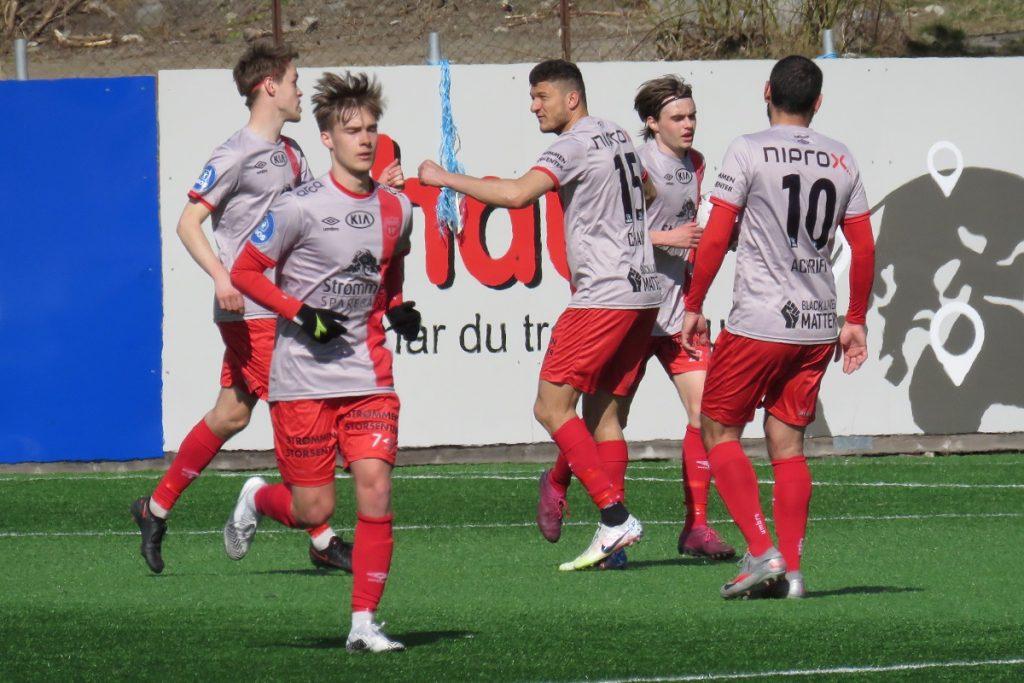 Strømmen IF, Strømmen stadion. Fotball, treningskamp, april 2021. Foto: Vårt Strømmen, vartstrommen.no.