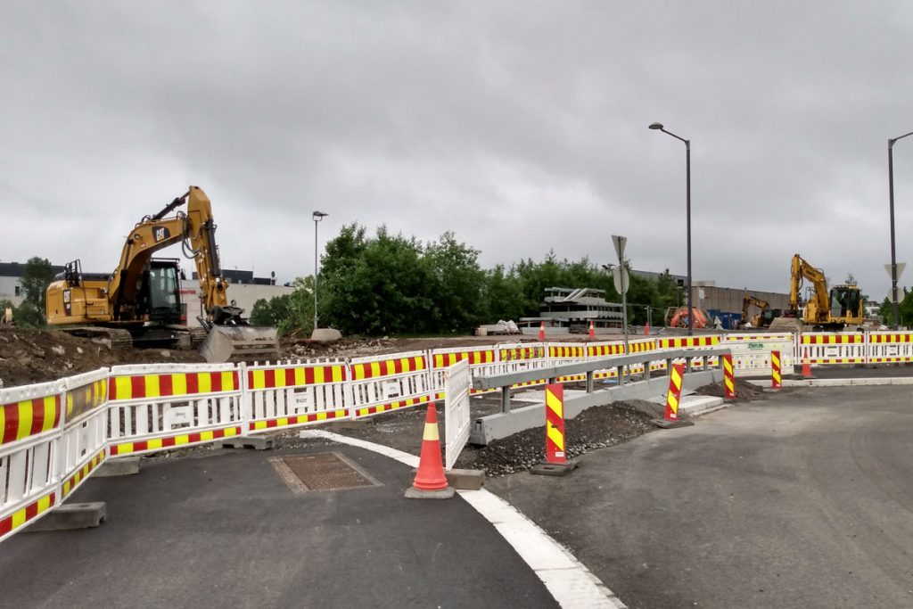 Strømmen Verksted, Sagbruksveien, Bråteveien. Trafikk, rundkjøring. Foto: Vårt Strømmen, vartstrommen.no.