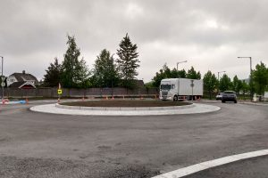 Read more about the article Nå har rundkjøringen i Sagbruksveien / Bråteveien åpnet – gir bedre trafikkflyt
