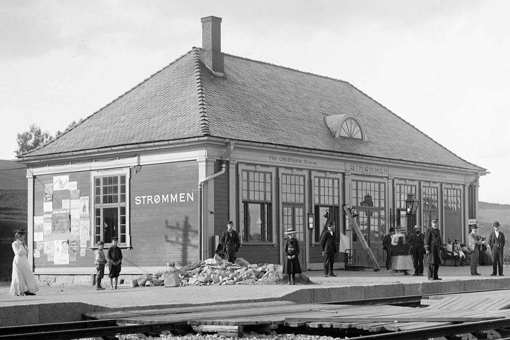 Strømmen stasjon. Historie. Lokalhistorie. Foto: Anders Beer Wilse, 1903. Kilde: Nasjonalbiblioteket.