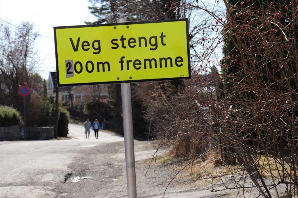 Skogveien / Vassøyveien på Strømmen, Lillestrøm kommune. Vann, avløp, gravearbeid. Foto: Vårt Strømmen, vartstrommen.no.