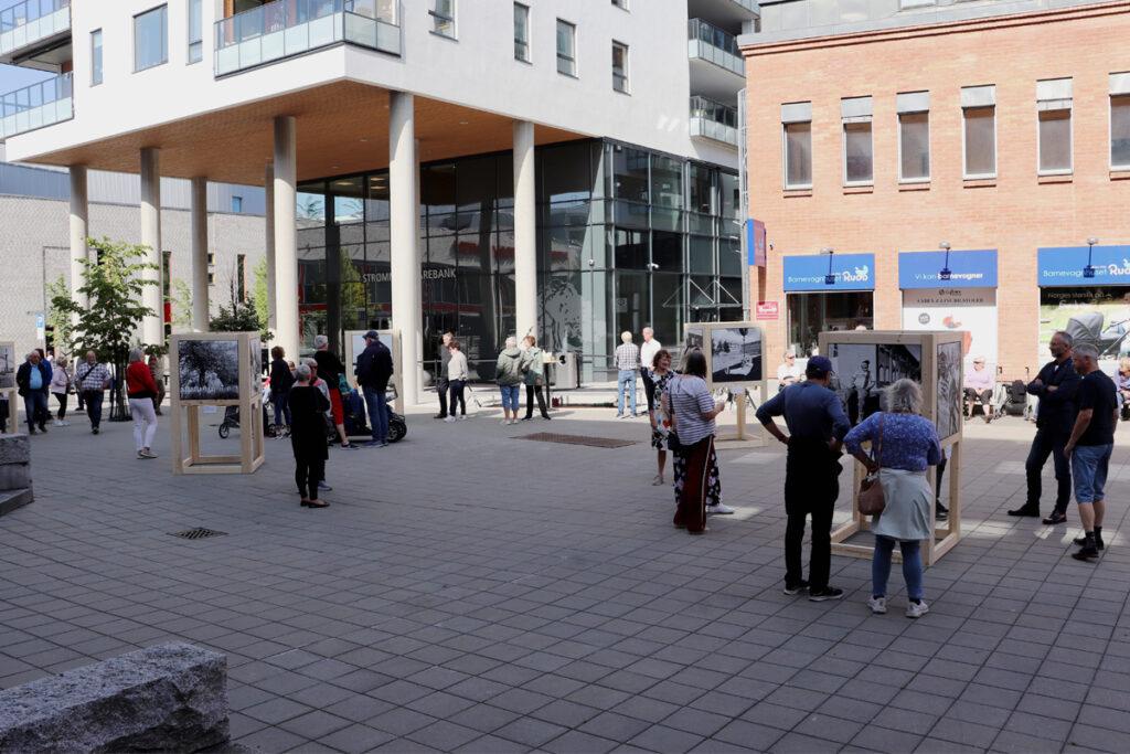 Strømlingen-fotoutstilling. Fotograf Ronny Østnes og Strømmen Sparebank. Foto: Vårt Strømmen, vartstrommen.no.